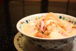 具だくさんでスープがとろりと美味しそうな長崎ちゃんぽん