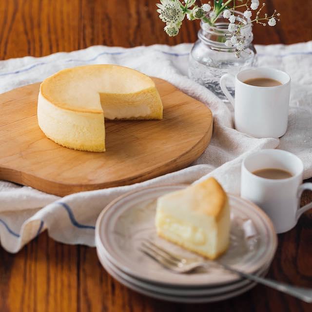 赤い風船で人気のチーズケーキ フォンダンフロマージュ